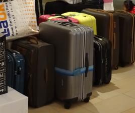 スーツケースベルト装着図